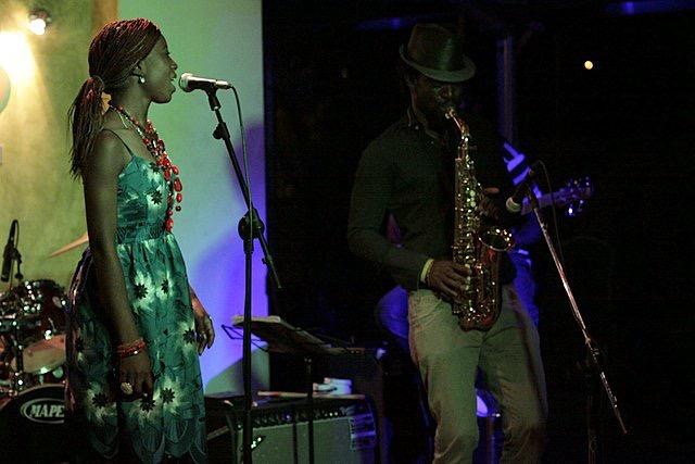tolumide-music-promo-tour-accra-ghana-2010-4-of-9